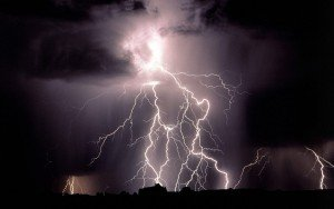 real-lightning-bolts-wallpaper-2